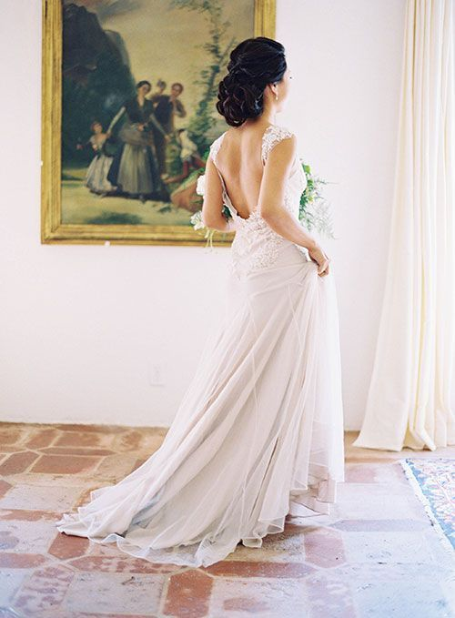 Tendance Robe du mariée 2017/2018  Bride in Custom Made Sarah Janks Wedding Dress | Brides.com  Tendance Robe du mariée 2017/2018 Description Bride in Custom Made Sarah Janks Wedding Dress | Brides.com