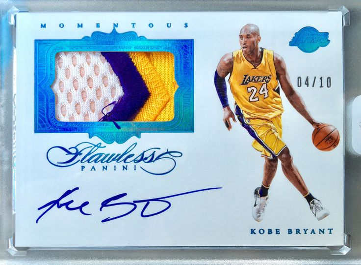2015/16 FLAWLESS KOBE BRYANT MOMENTOUS 3CLR PATCH AUTO 4/10 Awesome Patch!!!