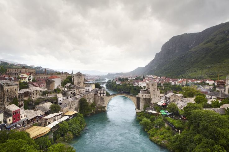 Overview of Neretva River and Stari Most.