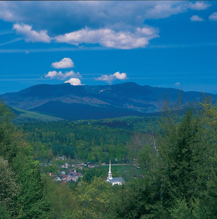 How to visit Stowe Vermont without going broke -  http://visitingnewengland.com/blog-cheap-travel/?p=1619 (photo source: GoStowe.com)