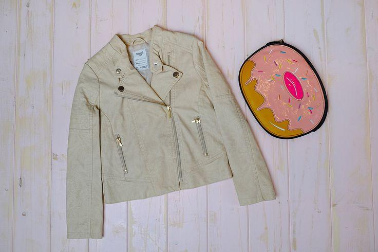 Кожаная куртка-косуха Mayoral для стильной девочки💃 А какая стильная девочка не любит красивые аксессуары? Необычная сумка в виде пончика точно вызовет восторг у вашей принцессы! 🍩 Размеры: Куртка 10 лет Заказ и вопросы Viber/ WhatsApp/Telegram 📱➡ +7-927-282-72-71 Заказ каталога на нашем сайте, ссылка указана здесь ➡ @dolce_fashion_kids Доставка по миру 📦✈🌍 #КАТАЛОГ_Dolcefashion #девочкиимальчики #детство #детям #длямальчиков #интернетмагазиндетскойодежды #иркутск…