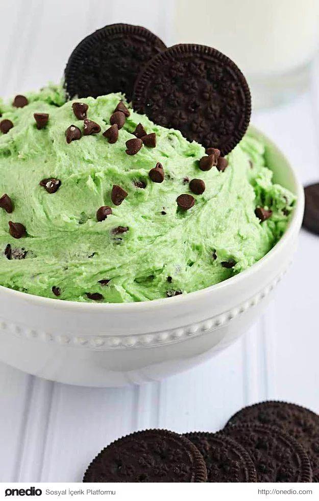 After Eight sevenler kaşık kaşık yiyecek: Naneli Damla Çikolatalı Kurabiye Hamuru Sos