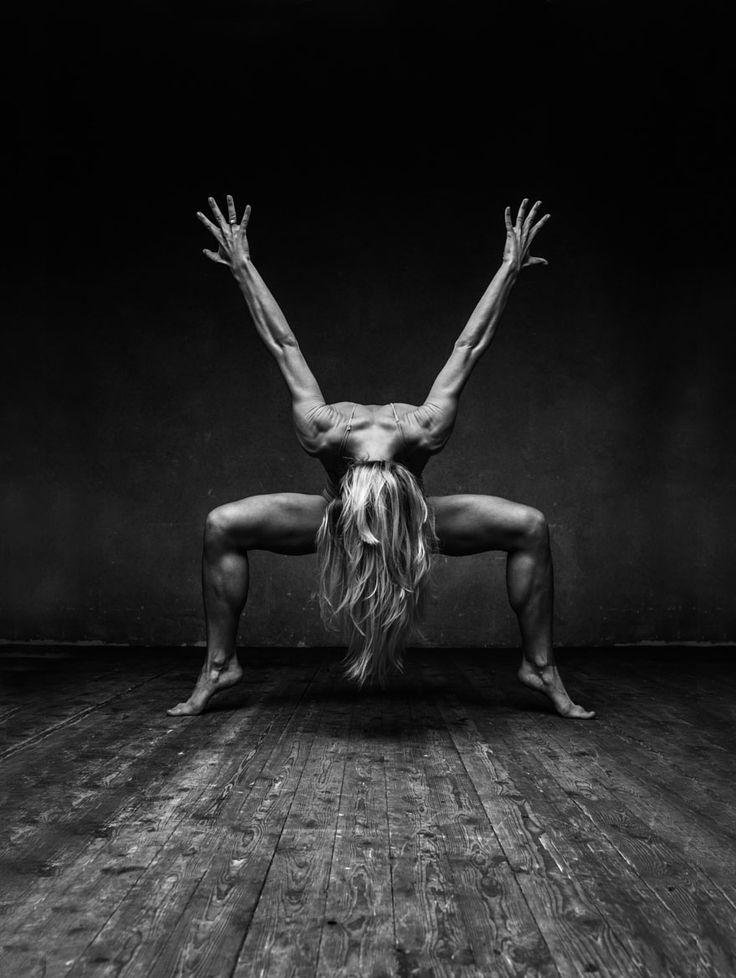 Une séance photo met en scène des danseurs dans de la farine ! Le résultat est exceptionnel !