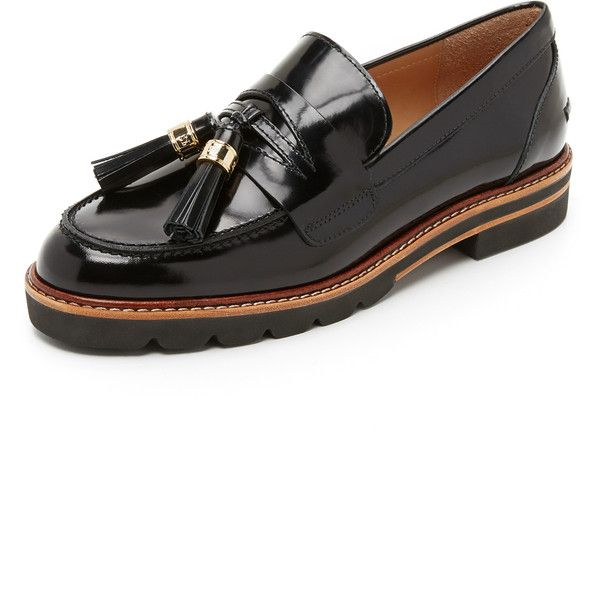 Stuart Weitzman Manila Loafers ($430) ❤ liked on Polyvore featuring shoes, loafers, jet, stuart weitzman flats, loafers & moccasins, flat heel shoes, stuart weitzman shoes and tassel shoes