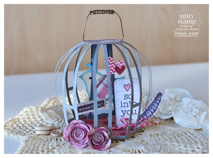 What a sweet little gift for your sweetheart!  Awesome, Thienly.  The bird cage is from CHRISTMAS ORNAMENTS SVG KIT.