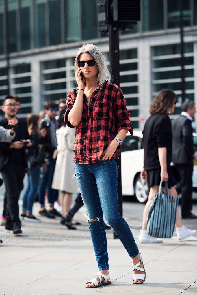 such a guru. #SarahHarris getting her plaid on in London.