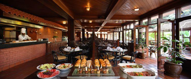 Sarova Panafric - Flame Tree Restaurant Interior