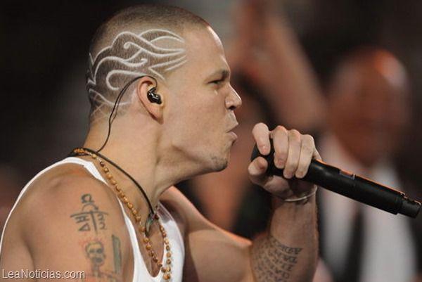 Calle 13 publicó el video del tema escrito con Assange y rodado en Palestina - http://www.leanoticias.com/2013/12/16/calle-13-publico-el-video-del-tema-escrito-con-assange-y-rodado-en-palestina/