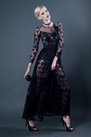 http://d26q0ci72dozhp.cloudfront.net/1022-thickbox/fionadługa-czarna-sukienka-z-koronki-i-tiulu.jpg