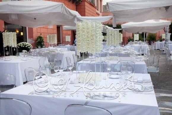 Centrotavola moderno ed innovativo per un matrimonio esclusivo e luxury chic.