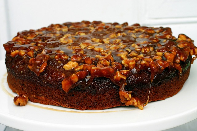 caramel walnut upside down banana cake | cakes | Pinterest