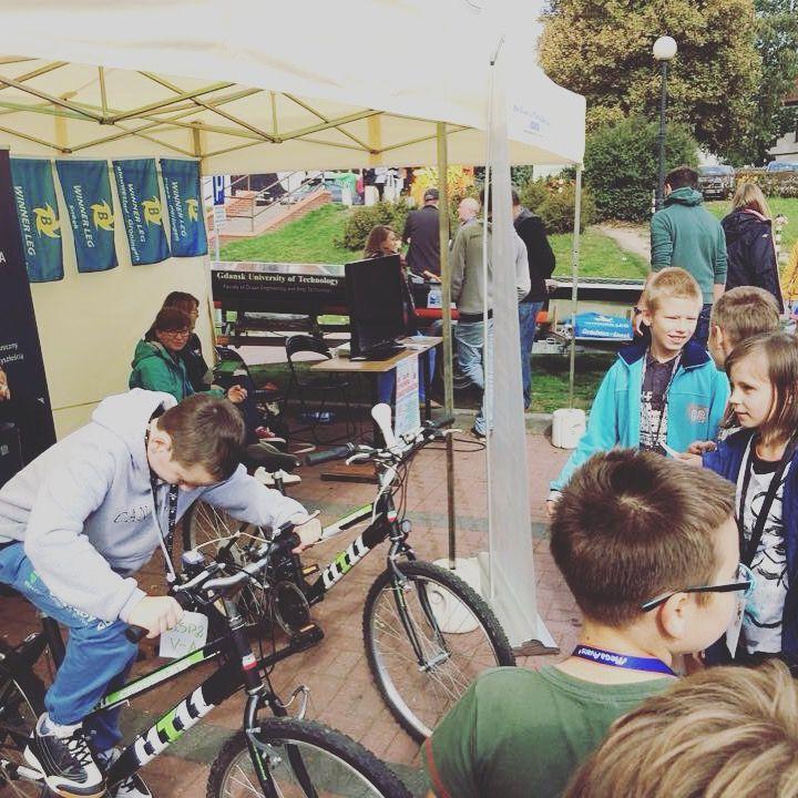Eco event - bicycle energy workshops for students. #ecoevent #ecoworkshop #warsztatyeko #ekowarsztat #ekolekcja #ecolesson https://ecogadget.pl/pl/eco-event
