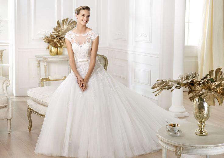 Pronovias vous présente la robe de mariée Lianna. Glamour 2014. | Pronovias