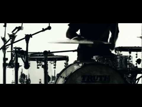 The Devil Wears Prada - Born To Lose [OFFICIAL VIDEO]   metalcore Christian band  from Dayton, Ohio.