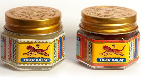 Тигровый бальзам Это тайский аналог согревающего бальзамам «Звездочка». Это эффективный травяной препарат наружного применения для облегчения боли. В Таиланде он продается в двух вариантах: белый — для устранения головных болей и тошноты при укачивании; красный — от простудных заболеваний, насморка и боли в мышцах. к оглавлению ^ Мази  Тайские мази фото  Тайские мази — это продукция с огромным набором полезных качеств, в составе которых содержатся только компоненты натурального…