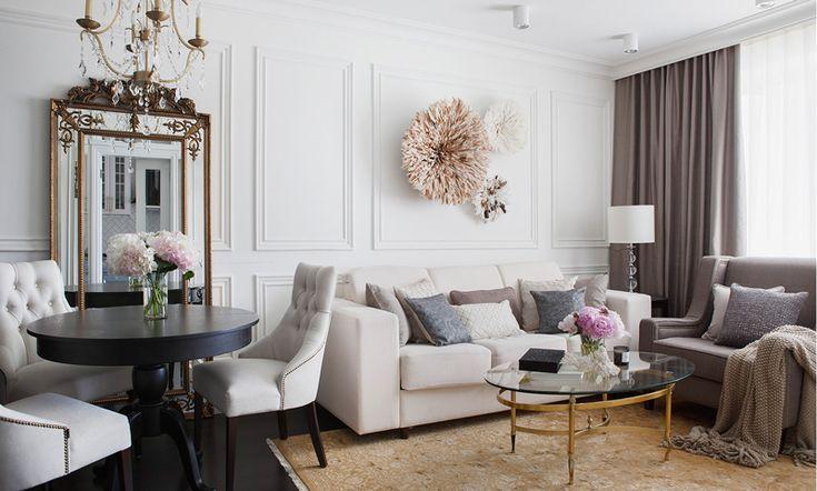 Дизайнер Инна Усубян оформила квартиру на юго-западе Москвы и сделала это полностью удаленно – проживая в США. Традиционная американская стилистика в интерьере сочетается с французским изяществом, а неброскую цветовую гамму оттеняют латунные акценты.