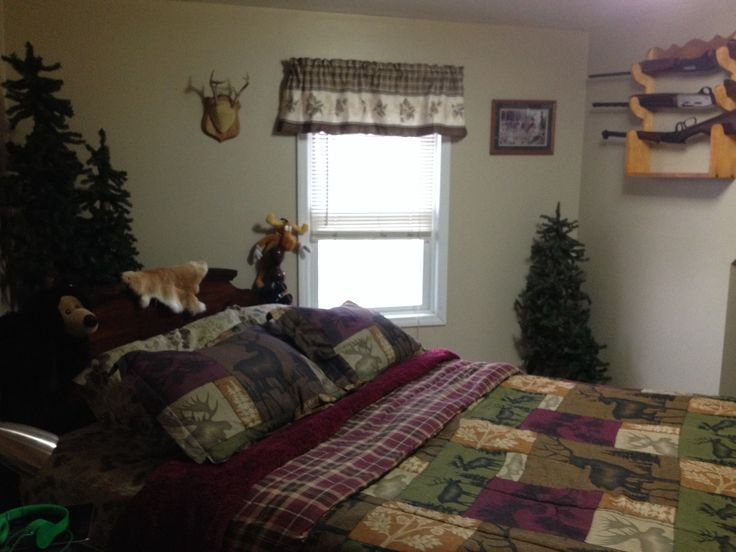 Hunting theme bedroom