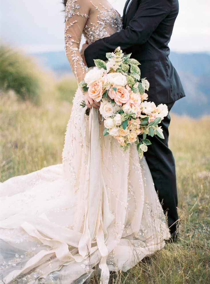Bride + Groom Take a Helicopter for Sunrise Bridal Portraits | Photography: Katie Grant