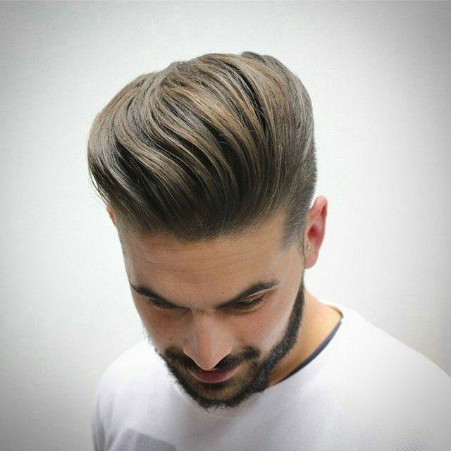 Sleeked back hair style for men. On medium length hair. // Coiffure brossée/peignée vers l'arrière pour homme. Sur cheveux mi-longs.