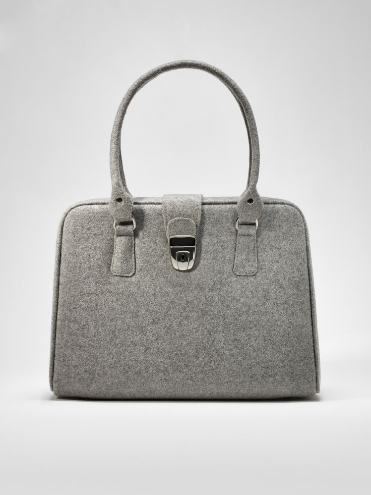 Burel vintage bag. Perfect for classic ladies of for rebels who want some contrast with a edgy look.
