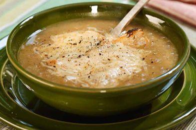 Supa de ceapa- Incearca o combinatie perfecta si savuroasa, marca Chef Nicolai Tand: un bol de supa in care gustul dulce al cepei si cel sarat al cascavalului se inteleg de minune, alaturi de crutoane crocante si delicioase.