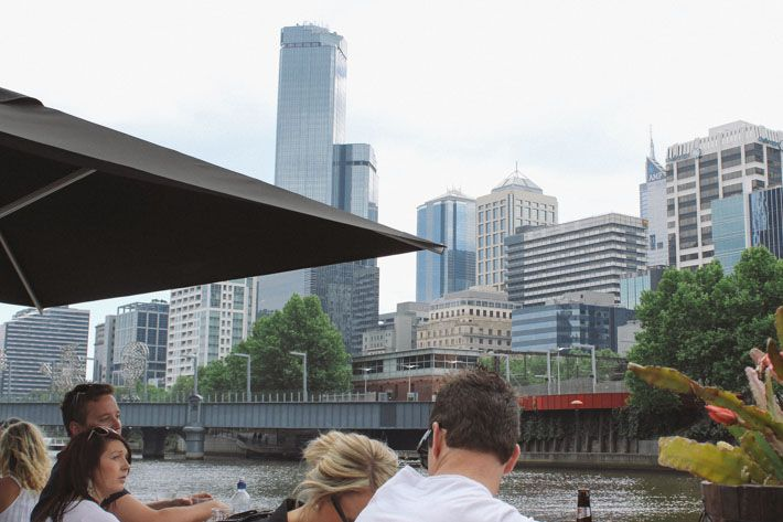 We've listed our top 5 places to enjoy the Melbourne CBD view. This one is from Ponyfish Island, in the middle of the Yarra river. #victoria #melbourne #view Klaus and Fritz | http://klausandfritz.com/top-5-views-of-melbourne/