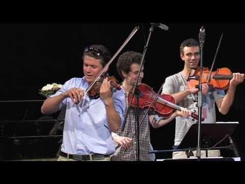 Ondřej Brzobohatý (housle) a Josef Kubáník (cimbál) Když jsem šel z Hradišťa , so funny in czech language