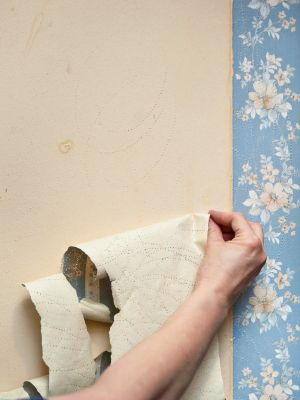 How To Remove Old Wallpaper Do Some Quick Redecorating Before The Holidays