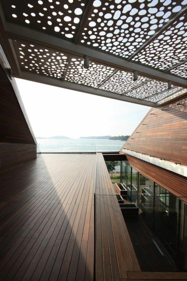Pergola aus Metall – 40 inspirierende Beispiele und Ideen - pergola metall beton moderne architektur terassendielen meerblick urlaubshaushaus