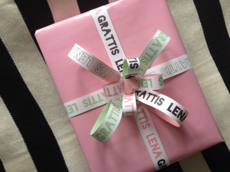 Gift wrapping, pink