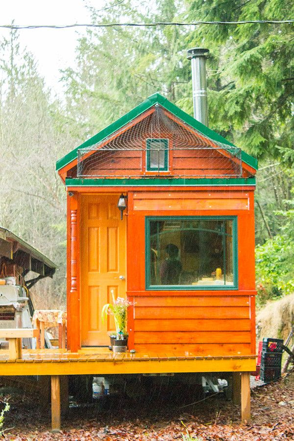 note the elevated cat door and catio roof deck on this clever tiny house a mother and daughter. Black Bedroom Furniture Sets. Home Design Ideas