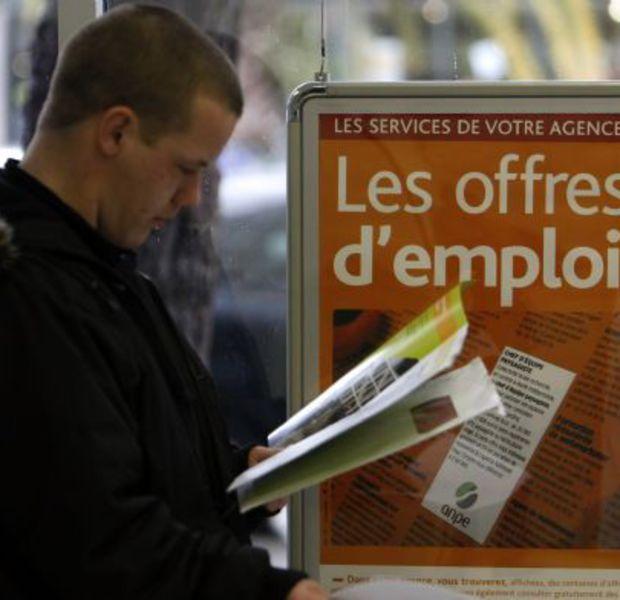 """Avez-vous droit à la prime d'activité? Quelque 4 millions de foyers devraient bénéficier de la prime d'activité, qui remplace la prime pour l'emploi et la partie """"activité"""" du RSA depuis le 1er janvier 2016. Sur quels critères et pour quel montant? Explications."""
