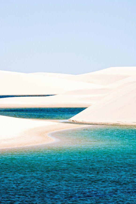 Conheça as praias de Lençóis Maranhenses:  http://guiame.com.br/vida-estilo/turismo/10-destinos-com-cenario-paradisiaco-para-passar-lua-de-mel.html#.VVHnuNpViko