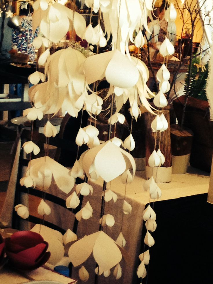 Hanging paper flowers. it looks magically beautiful!!.By MiaBella Paper Priductions.