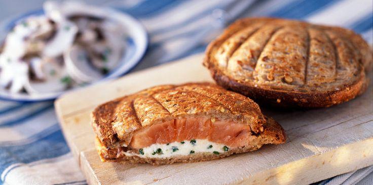 Croque-monsieur au saumon, facile, rapide et pas cher : recette sur Cuisine Actuelle