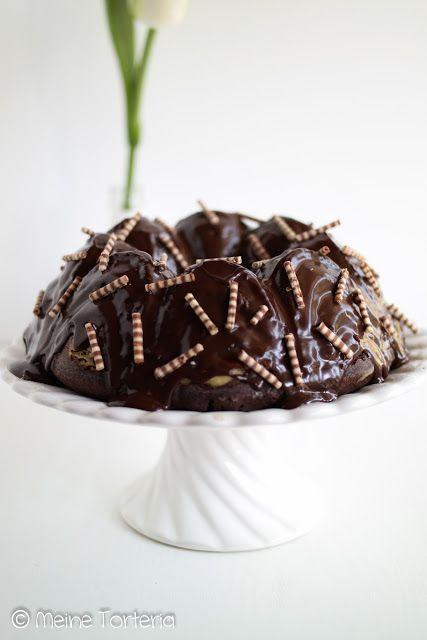 Schokoladenkuchen mit Cheesecake-Kern