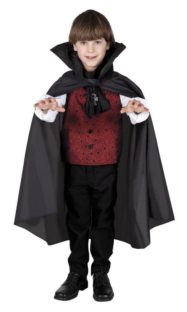 Pikku Draculan viitta. Musta viitta on hieno ja näyttävä asuste. Pikku Draculan viitta käy täydentämään myös noitien ja muiden vampyyreiden naamiaisasuja ja kyllä se päällä kelpaa leikkiä vaikka supersankarileikkejäkin.
