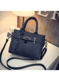 P857-BLACK  Material : PU Leather Height: 16cm  Length: 21cm  Depth: 9cm Mouth: Zipper Long Strap: yes 0.7 kg    ..
