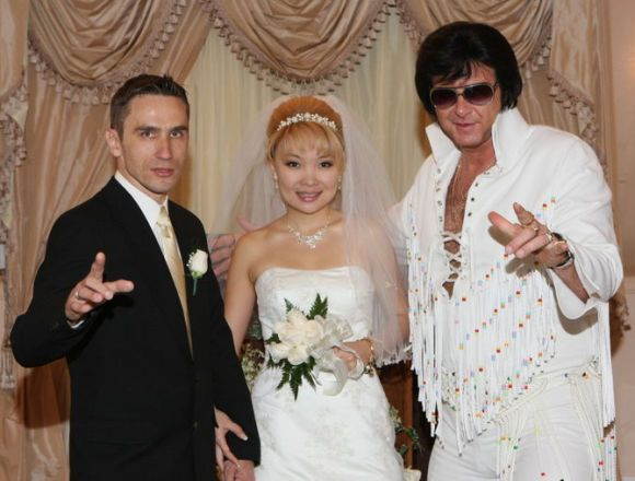elvis wedding vegas:
