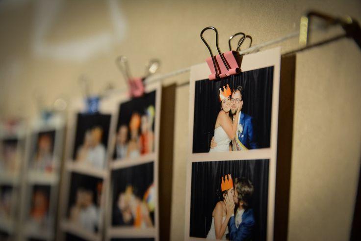 ¡La tira de fotos de los novios en el tablero al final del matrimonio!  Fotocabina Memorabilia