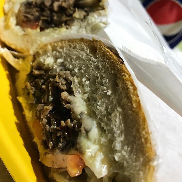 #foodporn #food #streetfood #cheesesteak #ontheroad #onthetable #pepsitwist #pepsi #streetfoodlover #lifokitchen #rhodes #foodpornography