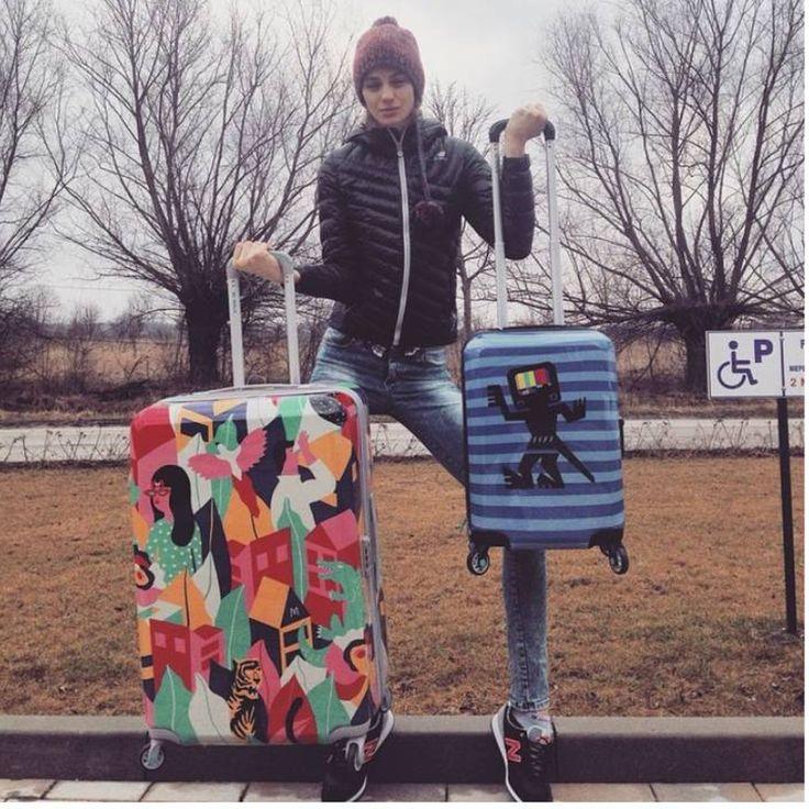 Renata Kaczoruk i walizki Looking Around oraz Caveman Blue :)