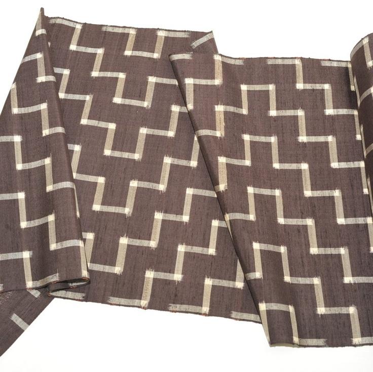Zig Zag pattern Tsumugi Bolt for Kimono  http://kimokame.com/shop/tanmono-kimono-fabric/brown-tsumugi/