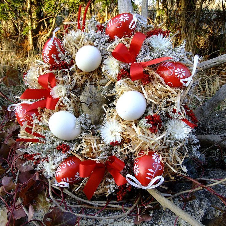 Věnce na dveře | Věnec velikonoční - Kraslice v travičce | Kouzelné kytičky