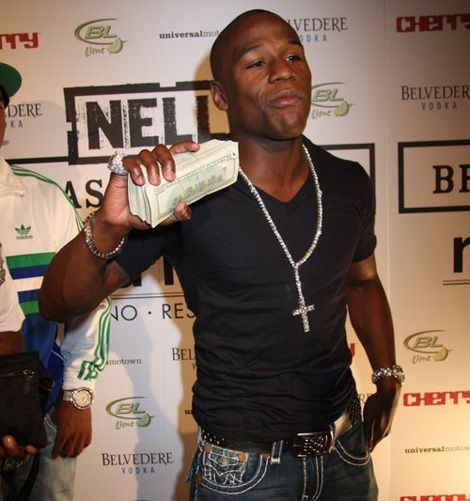 10 Photos of Floyd Mayweather and his Cash | Sportsbet.