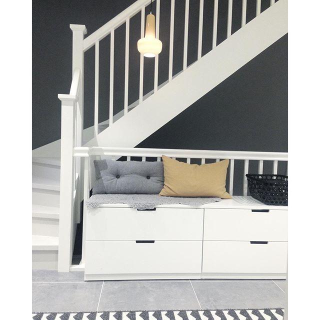 25 beste idee n over smalle gang decoratie op pinterest smalle ingang smalle gangen en hal - Donkere gang decoratie ...