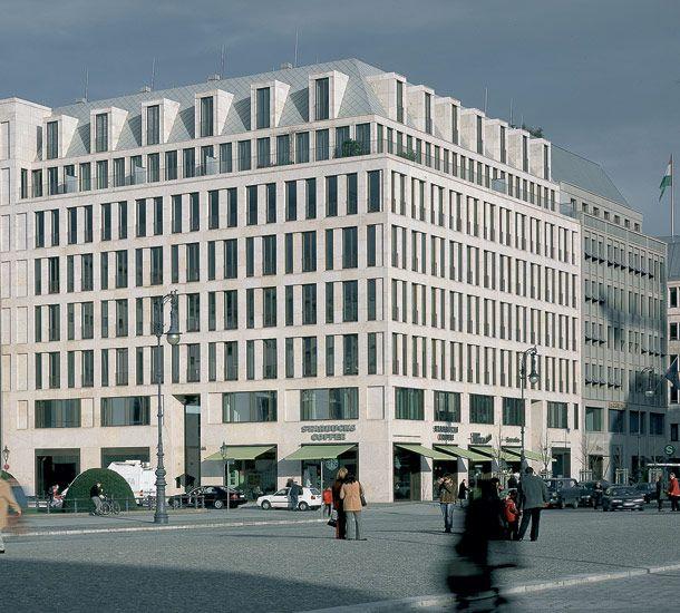 Pariszer Platz by Architekturbüro Ortner & Ortner. Timeless.