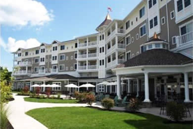 Watkins Glen Harbor Hotel in Burdett, New York