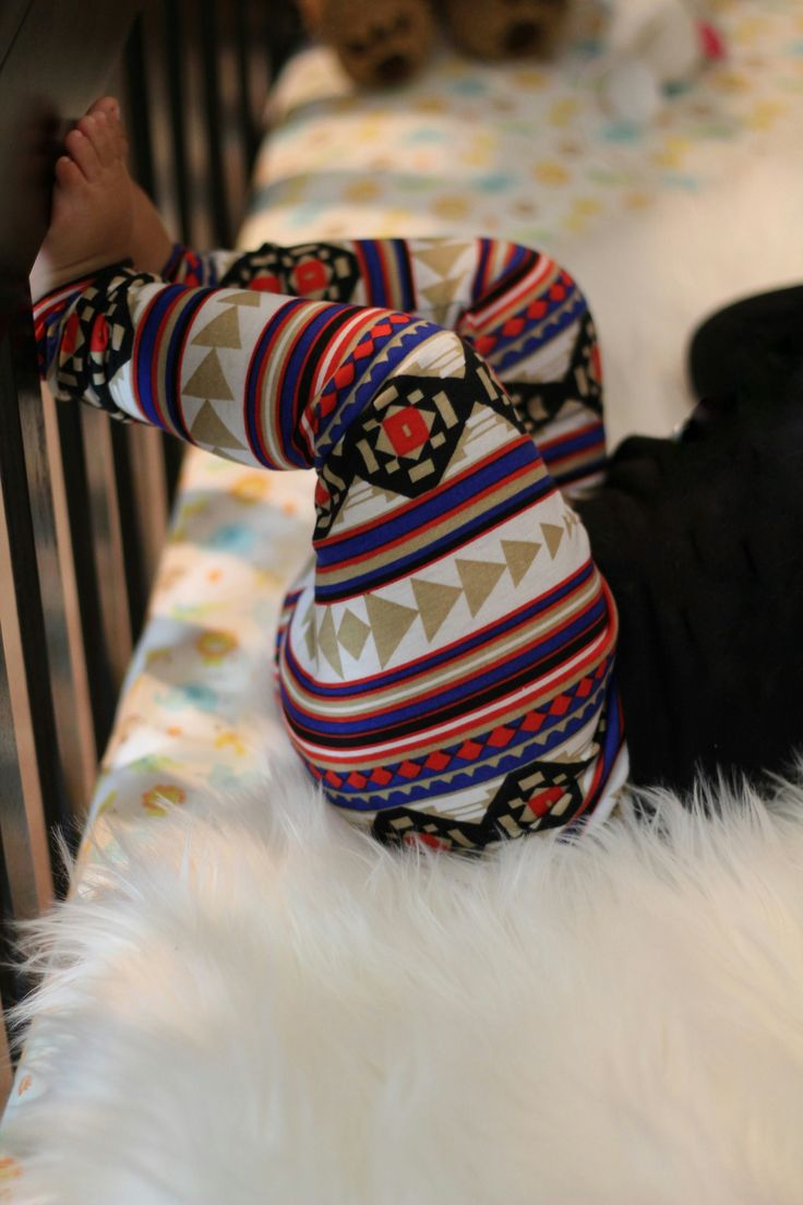 25+ best Aztec print leggings ideas on Pinterest   Printed ...