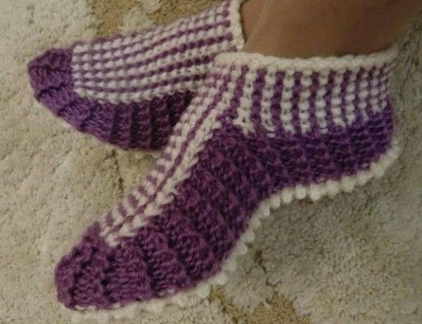 Slippers with knitting needles